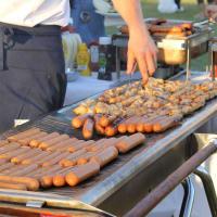 Sausages chicken skewers on the grill_BBQ_Masterclass_Andy Annatt BBQ Crackerjack_Chillisauce
