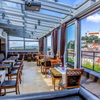 Lemontree & Sky Bar Restaurant