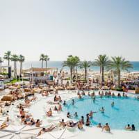 Nikki Beach Club Dubai view of pool and location