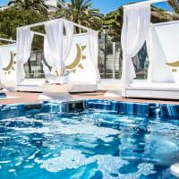 Plaza Beach Club - Bed
