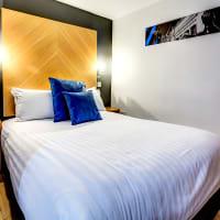 Roomzzz - Leeds City West