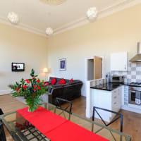 Destination Edinburgh - Southside Apartments