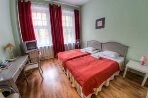 Hotel Viktorija - Twin bedroom