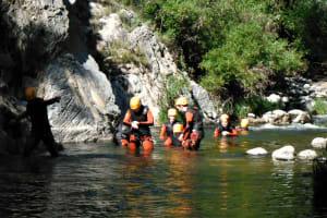 Multiaventuras Coriolos - Group going through the water