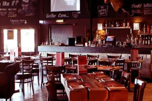 Funki Griller - Interior bar