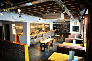 Parkside Tavern - interior