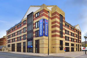 Travelodge - Newcastle Quayside