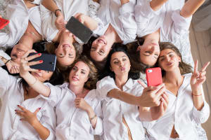 Industry Report - Hens taking a selfie