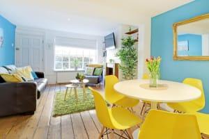 Sunny Cottage - Dining Lounge