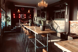 The Dead Famous Bar - Interior