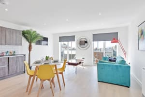 Right On: Bright On Apartment - 1B