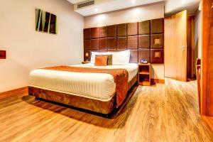 Roommzz Leeds City - bedroom