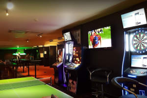 Rileys Sports Bar Chester - Inside bar-2