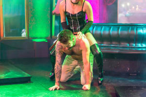 4play Venue - Stripper - Dominatrix Show - Budapest CHILLISAUCE