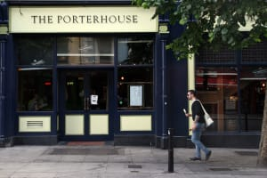 The Porterhouse - Best pub crawl in Dublin
