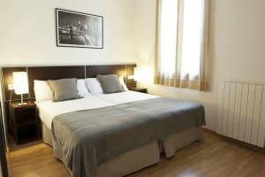 Short stay Liceu - bedroom