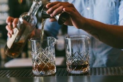 whisky tasting making cocktails