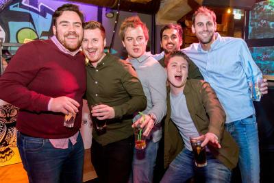 Riga Bar Crawls stag group drink
