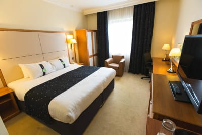 Holiday Inn Nottingham - bedroom