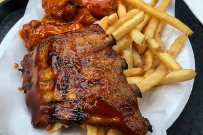 ribs buffalo chicken and chips