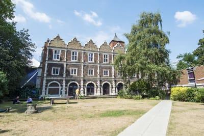 Safestay Hostel - Kensington Holland Park