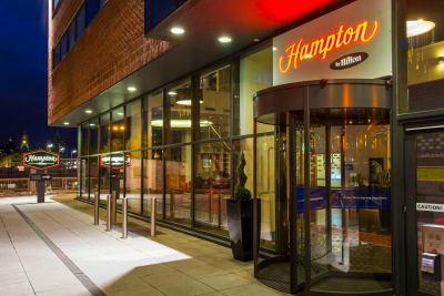 Hampton by hilton Liverpool - exterior