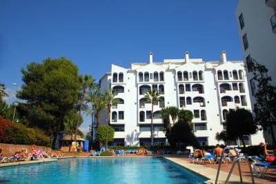 Hotel PYR - Pool of hotel