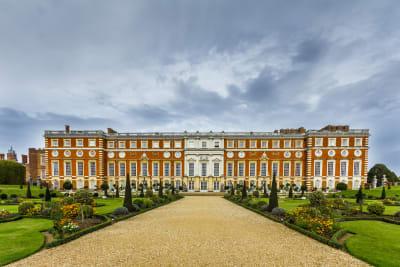 Hampton Court Palace - Exterior