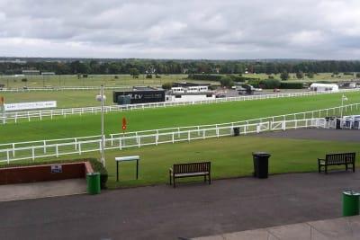 Sandown racecourse - Racecourse track 2