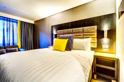 Roomzzz Nottingham - bedroom