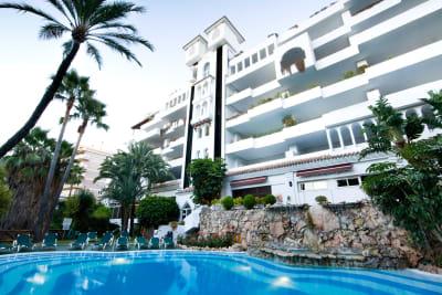 Monarque Hotels