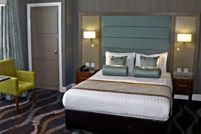 The Caledonian Hotel - Bedroom