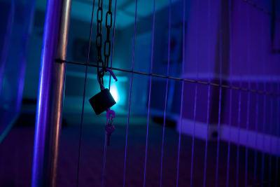 Escape rooms prison break lock jail
