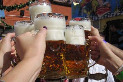 Oktoberfest beer cheering