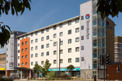 Travelodge - Norwich Central Front Outside