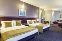 hotel metropol - bedroom