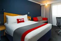 Holiday Inn Express Manchester Slaford Quays - Bedroom
