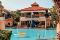 Anantara The Palm Dubai Resort view of building