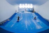 Indoor Surfing surf arena
