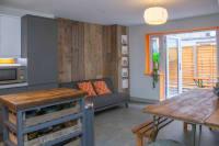 Cheltenham Lane 3A Dining Room