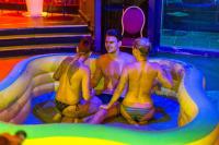 4play Venue - Mud Wrestling Babes - Budapest CHILLISAUCE