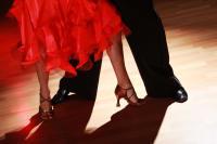 A salsa dancing class