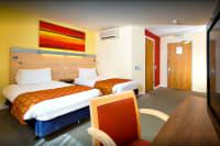Holiday Inn Express Leeds Centre - bedroom