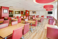 Travelodge Edinburgh Central - Bar cafe area