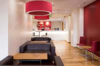 Travelodge - Nottingham Central - Lounge bar area