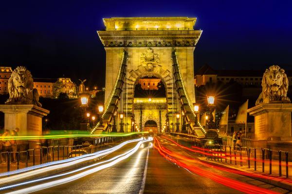 Chaing Bridge Budapest