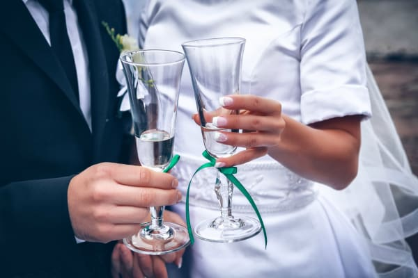 Gifts for Bride - Groom Guide