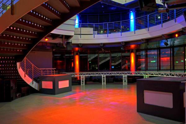 E4 Club Berlin - dancefloor