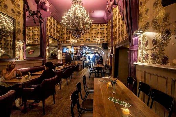 Tara Pub - Interior
